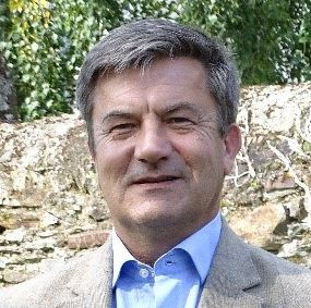 <em><strong>Joël Hautebert </strong>est agrégé des facultés de Droit, Professeur en Histoire du droit à l'Université d'Angers, éditorialiste au journal « L'homme nouveau ».</em>